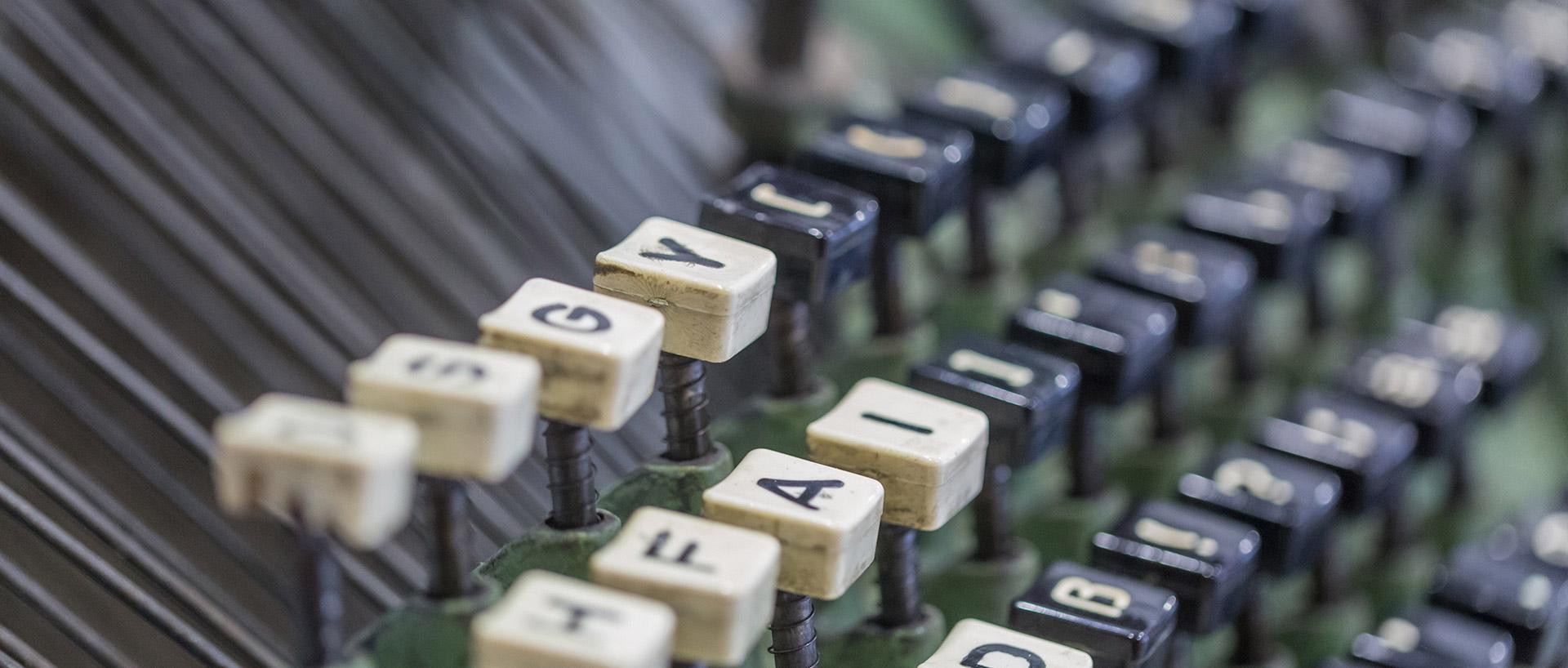 Buchstaben 1920x818px